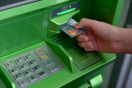В Украине резко выросло количество краж с банковских карточек