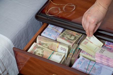В Трускавце начальница банковского отделения украла 10 миллионов гривен