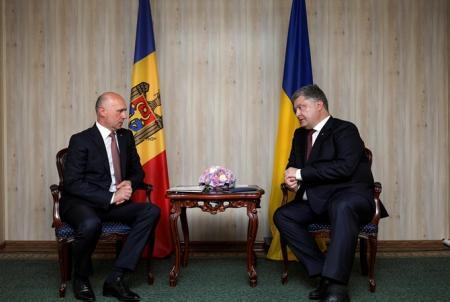 Украина готова помочь Молдове вернуть Приднестровье – Порошенко