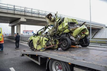 Под Киевом произошло серьезное ДТП, водитель в реанимации