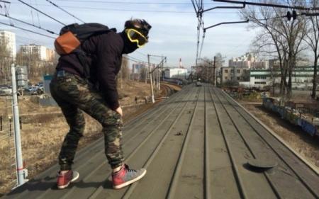 В Киеве умер подросток от ожогов полученных на крыше электрички