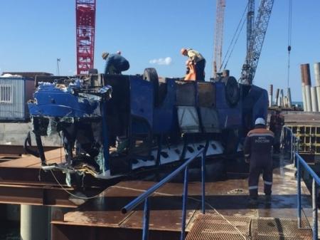 В России сказали, почему автобус с 40 пассажирами упал в Керченский пролив