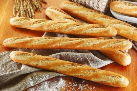 Макрон предлагает внести французский багет в список наследия ЮНЕСКО