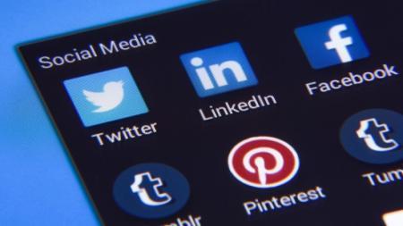 У кого Сети крепче и сильнее: рейтинг политиков в Facebook