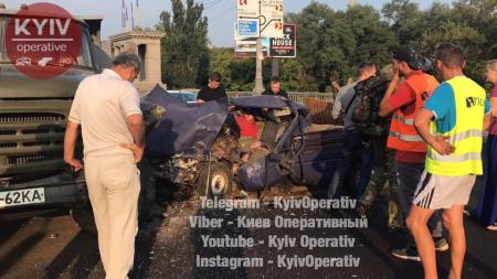 На мосту Патона в Киеве произошло серьезное ДТП