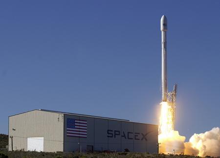 «Антонов» помогает SpaceX в перевозке составляющих ракеты Falcon 9