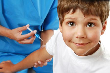 До 20% отметок о прививках детей просто куплены - врач