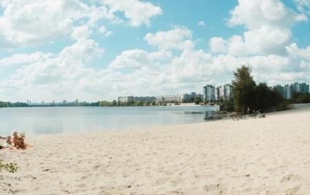 Названы пляжи Киева, где разрешено купаться этим летом