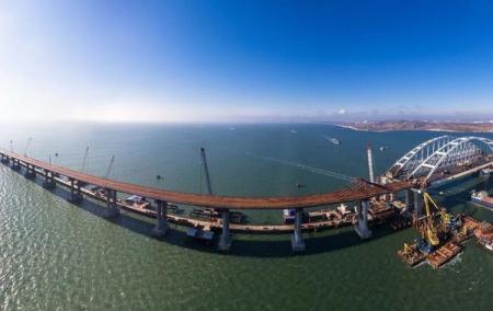 Строители Крымского моста не смогли состыковать пролеты - СМИ
