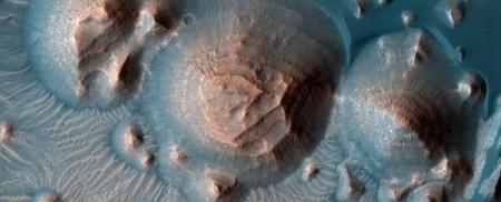 На Марсе были обнаружены тысячи древних сверхизвержений