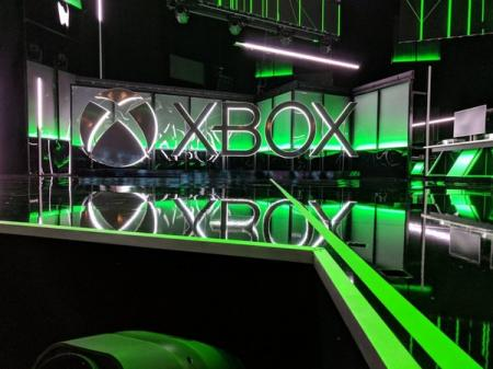 Microsoft_X_Box_11.06.18