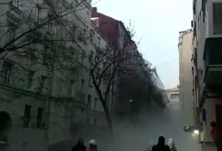 В центре Москвы рухнула стена дома