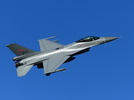 Norwegian_F-16AM_over_Bod_Main_Air_Station_in_September_2013