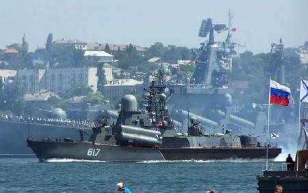 Россия начала масштабные учения в Черном море
