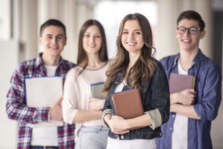 Медреформа: для школьников и студентов отменили медкарты