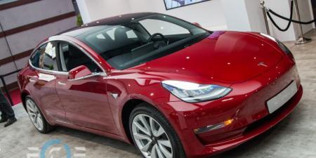 Tesla снизила цену на свой самый дешевый электрокар Model 3