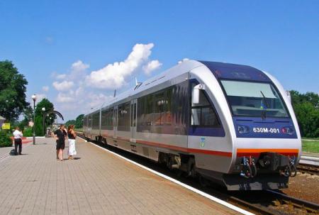 Укрзализныця добавила еще 23 поезда к морям на летний период