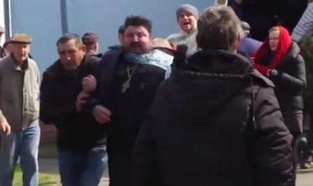 В Ровенской области священника МП выгнали из храма под крики