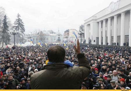 В финансировании акций Саакашвили засветились кипрский офшор и ГРУ?
