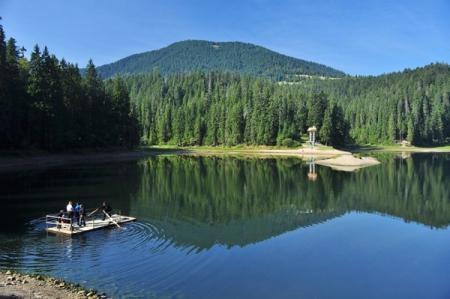 Озеро Синевир 16 и 17 июля закроют для туристов