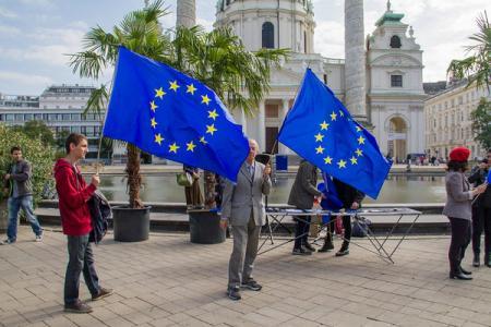 Украинцы на первом месте в ЕС по количеству выданных ВНЖ