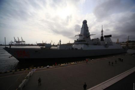 В порт Одессы зашел британский ракетоносный эсминец