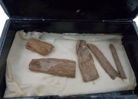 Кусочки дерева, найденные в Шотландии, могут переписать историю пирамиды Хеопса