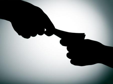 «Охота» на «нелегалов» заставила бизнес оформлять сотрудников: в налоговой раскрыли цифры