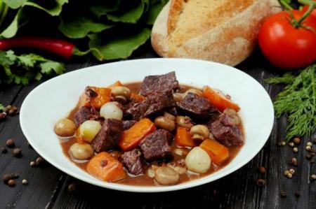Блюдо дня: говядина по-бургундски