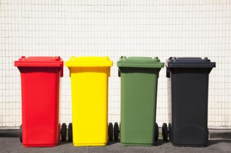Деньги не пахнут: как заработать на мусоре в Украине