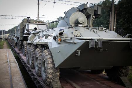 Россия перебрасывает в Беларусь эшелоны военной техники