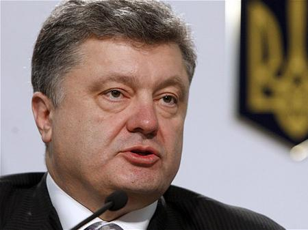 Порошенко заговорил о повышении минзарплаты до 4100 грн