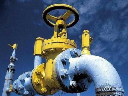 Кабмин решил не повышать цену на газ до конца июля