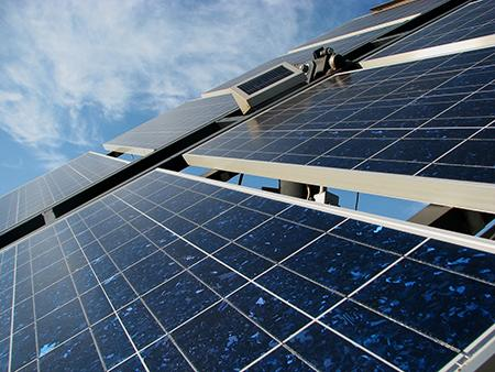 solar-panel-in-the-field-2-1415250