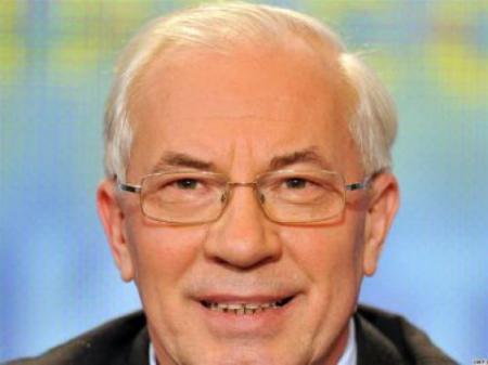 Азаров будет поощрять работодателей за трудоустройство молодежи и лиц старше 50