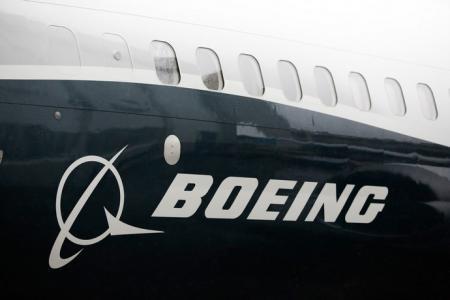 Более 400 пилотов подали коллективный иск в Boeing за сокрытие недостатков