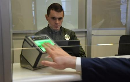 Правила в'їзду в Україну посилять з 5 серпня