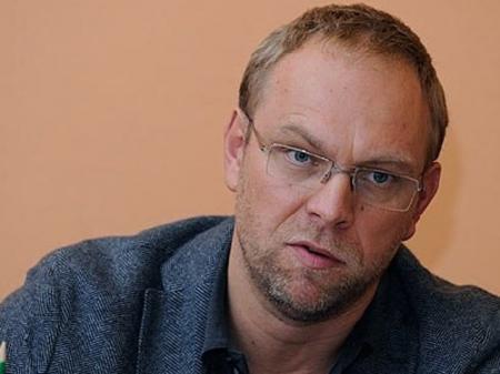 Власенко требует закрыть уголовное дело против него