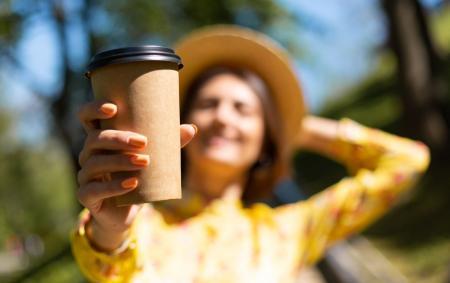 «Ранок з Україною»: експерти розповіли, чим небезпечна кава з вуличних кіосків у літню пору