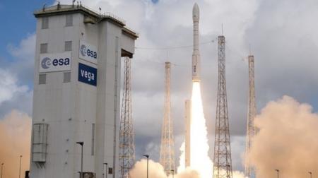 Запуск военного спутника завершился крушением