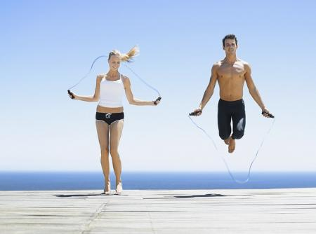Чем полезны прыжки со скакалкой