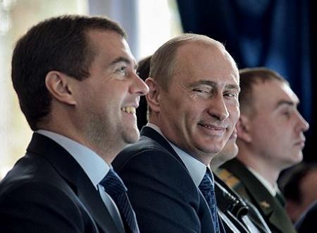 БЮТовец назвал Медведева и Путина «реальными мужиками»