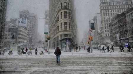 Снежный шторм в США оставил без света 250 тысяч человек
