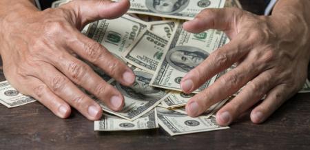 В Киеве мошенники выманили у американки $1,5 млн