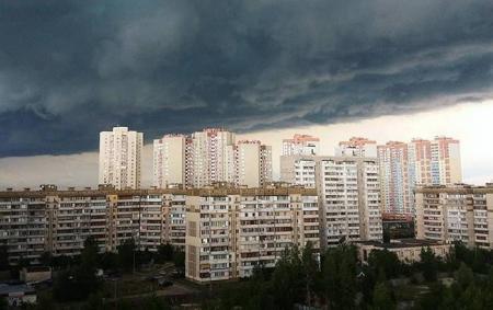 Синоптики предупреждают о сильных грозах в Киеве