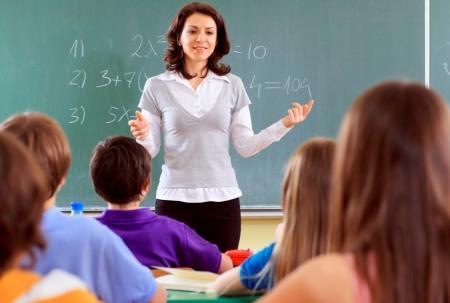 В Украине вырастут зарплаты учителей: когда и на сколько